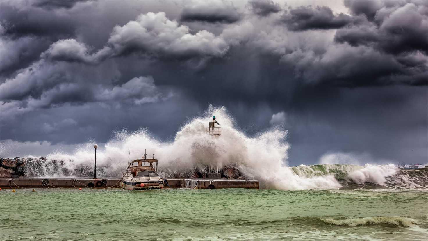 Jak powstaje tsunami?